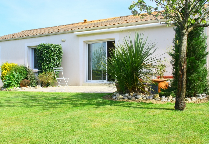 https://www.generaleimmobiliere73.com/sites/generaleimmobiliere73.com/files/styles/actualite-large/public/actualite/visuels/maison-avec-jardin.jpg?itok=5phS6kxy